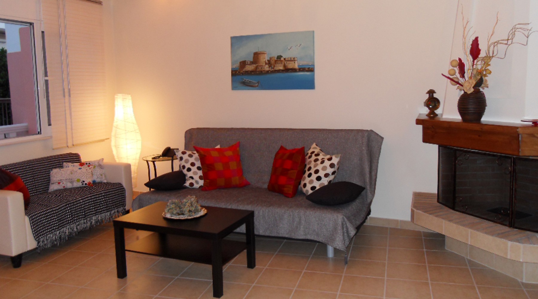 Omorfi Poli Apartment